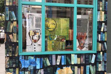 חנות ספרים או גלריה אלטרנטיבית?